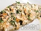 Рецепта Пържена пъстърва в брашно с бадеми и лимонов сок, запечена на фурна
